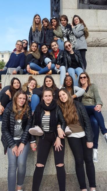 Les_secondes_et_Terminales_de_la_section_Commerce_du_Lycée_à_Londres_-_Mai_2017_-_Photo_3
