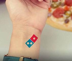 tatoveringer med firma logo og budskab