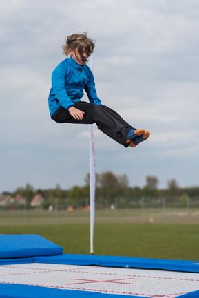 trampolin - nur fliegen ist schöner.jpg