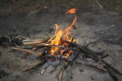 Lagerfeuer im Abend-euer-land