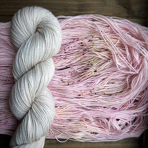 Stone Harbor Scarf Knit Kit - Linen & Sweet Nothings