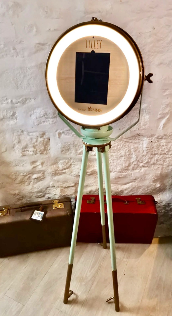 Britains most stunning retro mobile Gif booth
