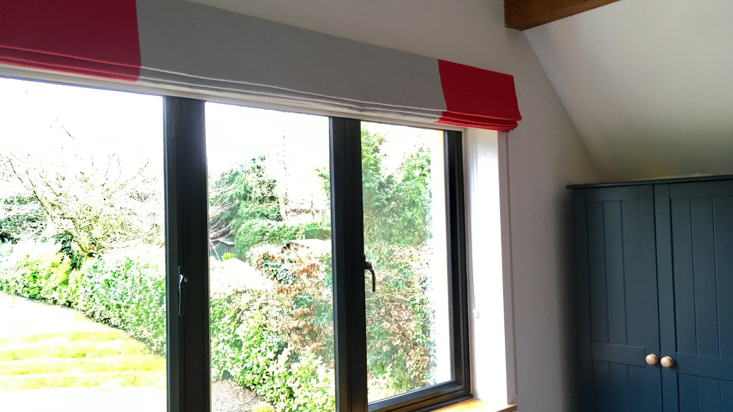 Wide window - wide roman blind