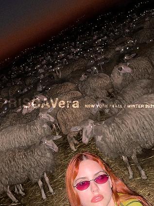 PRISCAVera_Campaign_FW21_Web_16 copia.png