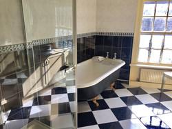 Bedroom 1 - Bathroom - The Old Angel, Winster