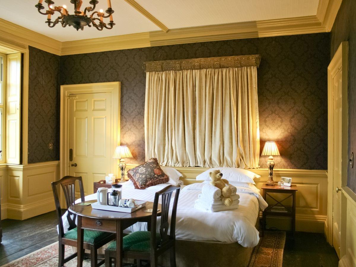 Double bedroom - Lea Hall, Matlock