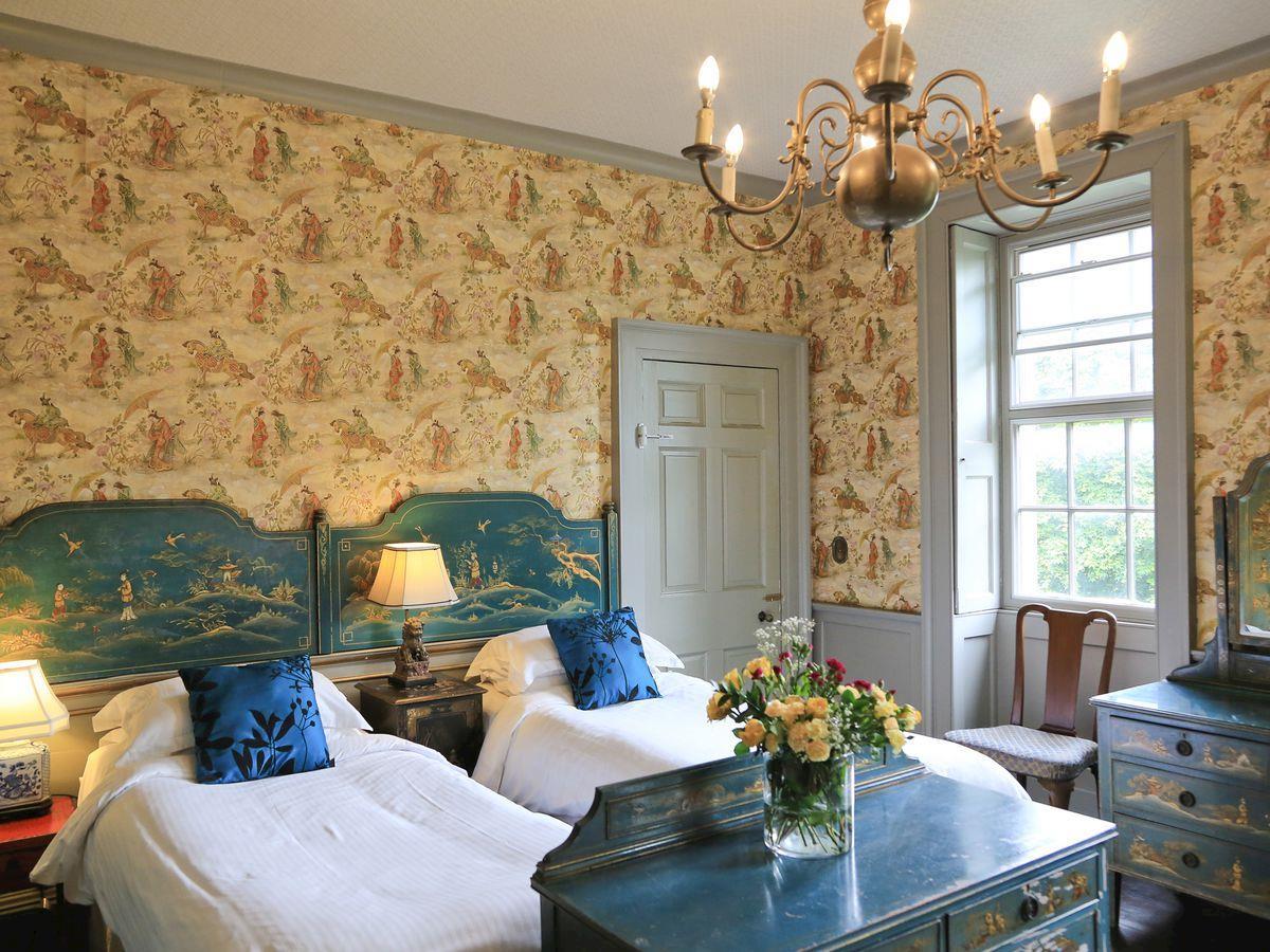 Characterful twin bedroom - Lea Hall, Matlock