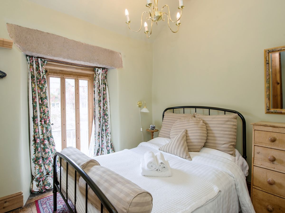 Double bedroom _ Harthill Hall - Hartle, Alport, nr. Bakewell