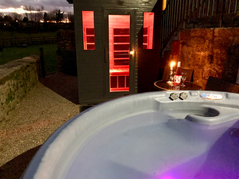 Henrys Haunt Terrace with Hot Tub & Sauna