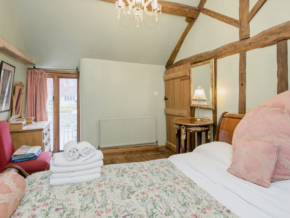 Double bedroom _ Harthill Hall - De Ferrers, Alport, nr. Bakewell 2