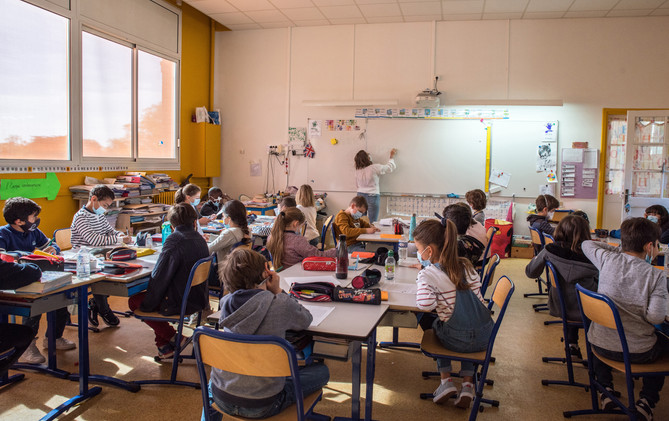 FRANCE - BACK TO SCHOOL TIME 26TH APRIL