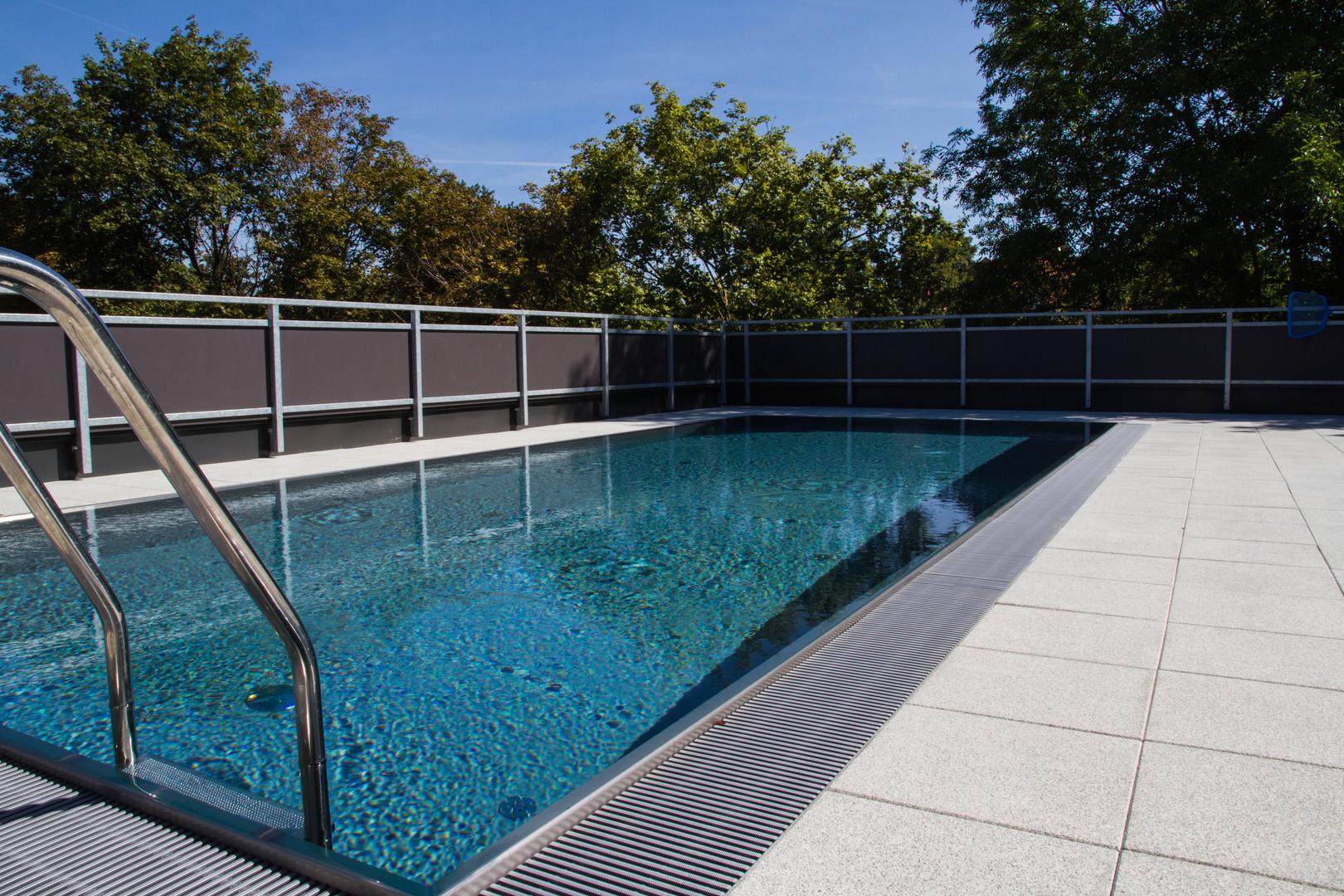 Wohnhausanlage Mistelpromenade - Pool.jp