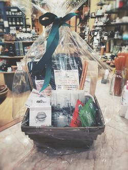 Harbor Tea & Spice Gift Basket 7