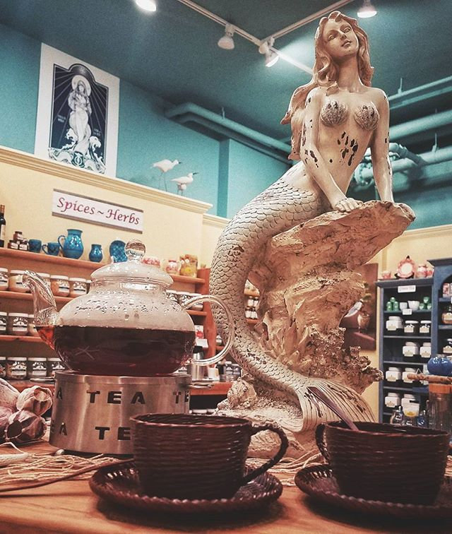 Mermaid - take me to the sea... but first tea at Harbor Tea & Spice