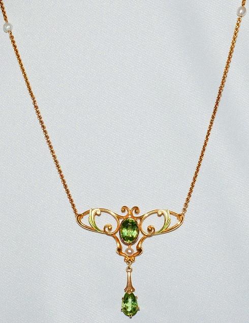 #419 - Art Nouveaux Peridot Necklace WEB