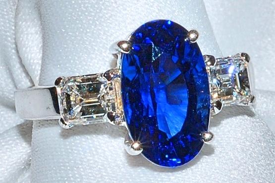 #974 - Sapphire & Diamond Ring WEB