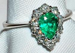 #518 18k Emerald & Diamond Ring