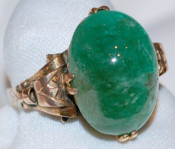 #637 10k Emerald 3.25ct Ring