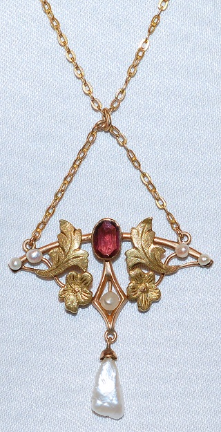 #630 14k Garnet & Pearl Necklace