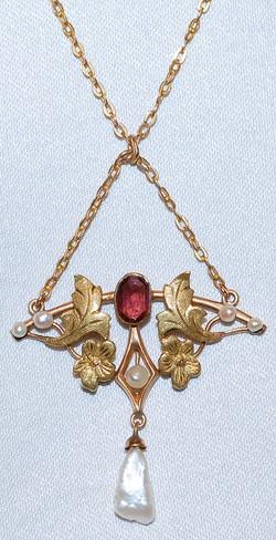 #630 14k Garnet & Pearl Necklace