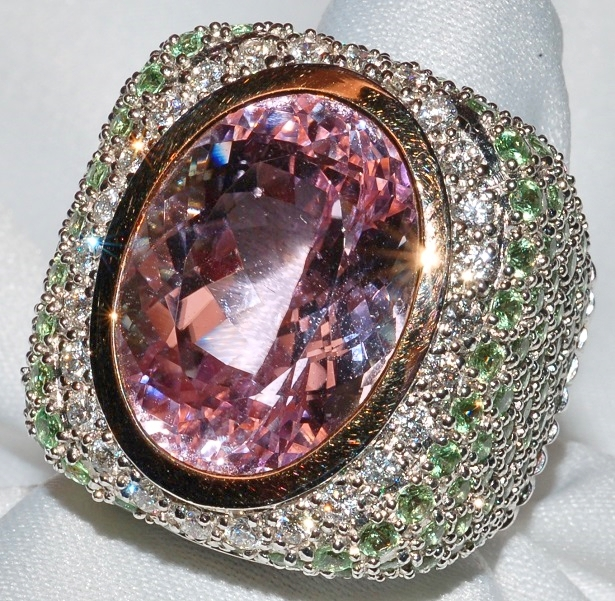 #514 - Kunzite, Tsavorite & Diamond Ring