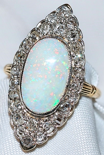 #406 16k Antique .75ct Opal & Dia