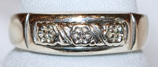 14k Deco Diamond Band