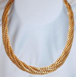 #112 18k Triple Link Twist Collar