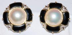 #10 - Mabe' Pearl Black Onyx & Diamond B
