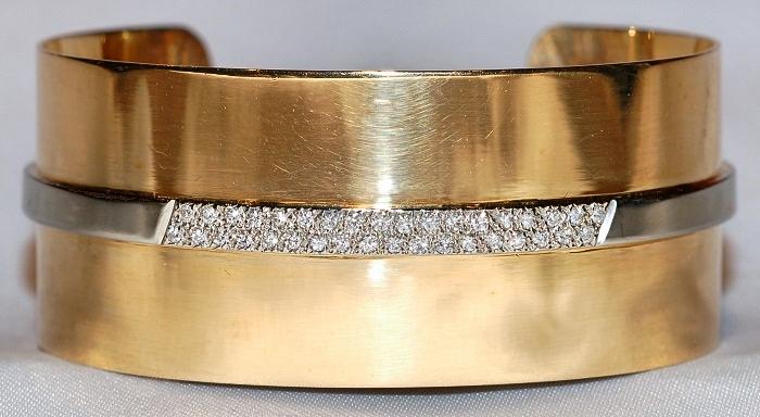 #1047 18k Cartier Dia - .50ct Cuff