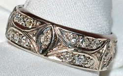 #673 18k Diamond .92ct Band