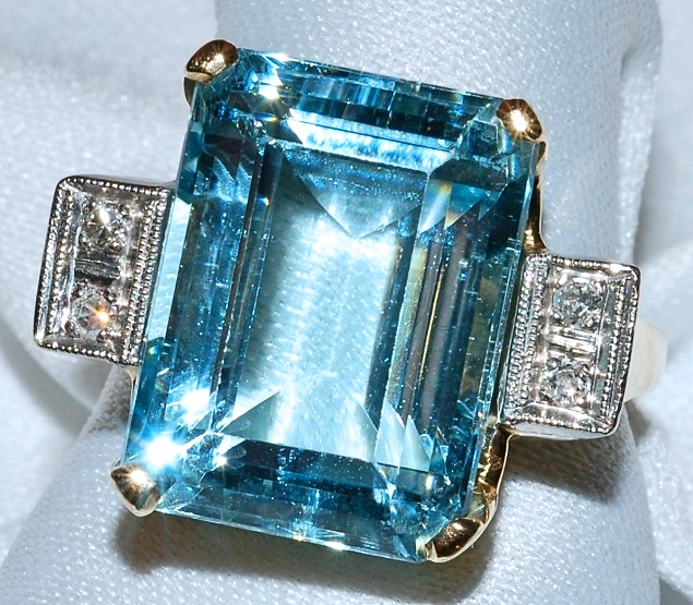 #729 - 14k Aquamarine & Diamond Ring WEB