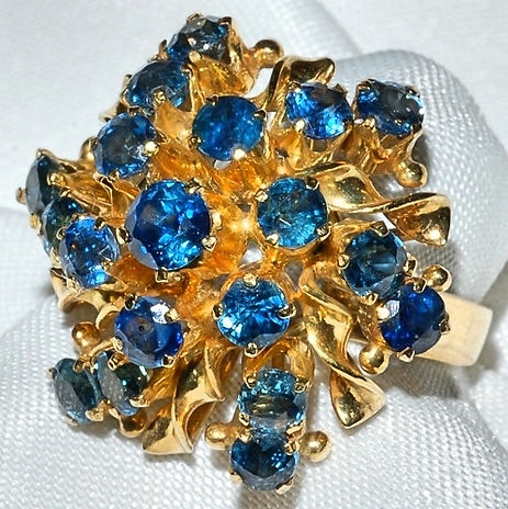 #119 18k Yellow Gold & Sapphire Ring WEB