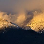 widok na Himalaje z miasta Dali w Chinac