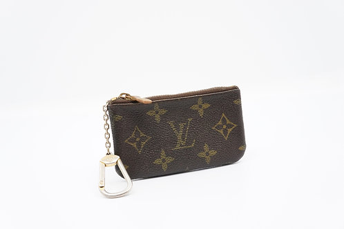 Buy preloved authentic Louis Vuitton Cles