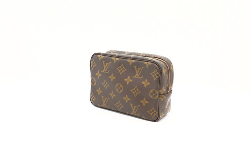 Buy preloved Louis Vuitton Vintage Trousse 18