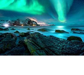 aurora-borealis-above-snowy-islands-of-l