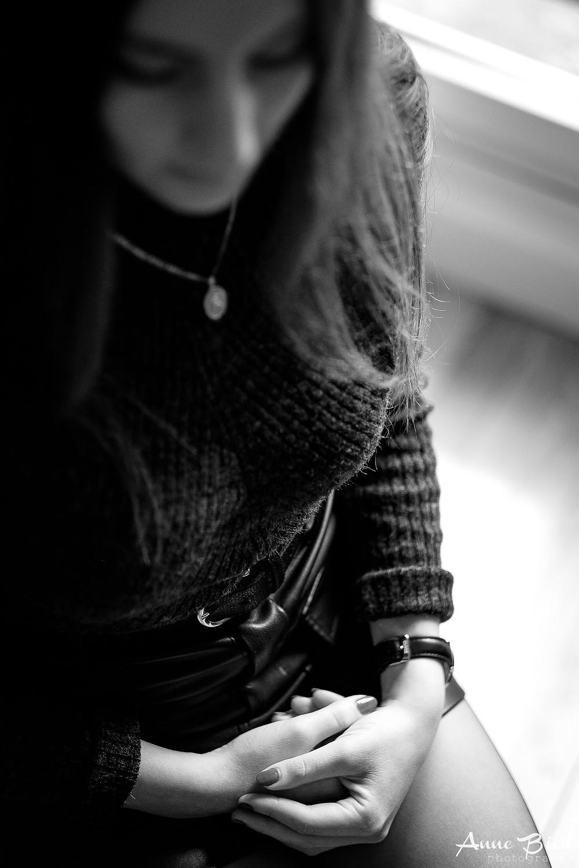 Séance photo portrait femme à domicile - Anne BIED - Photographe portrait femme Paris