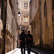 Séance engagement Ile Saint Louis Paris - Anne BIED - Photographe séance engagement Ile Saint Louis Paris