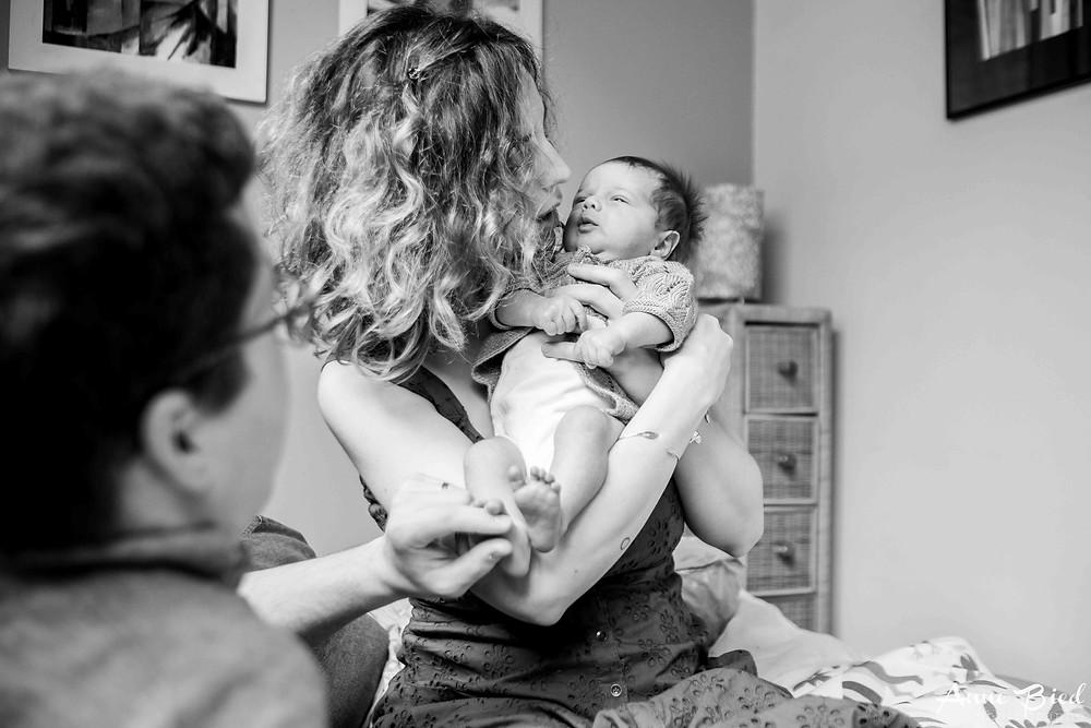 séance photo nouveau-né à domicile - anne bied - photographe musicien - photographe nouveau-né paris