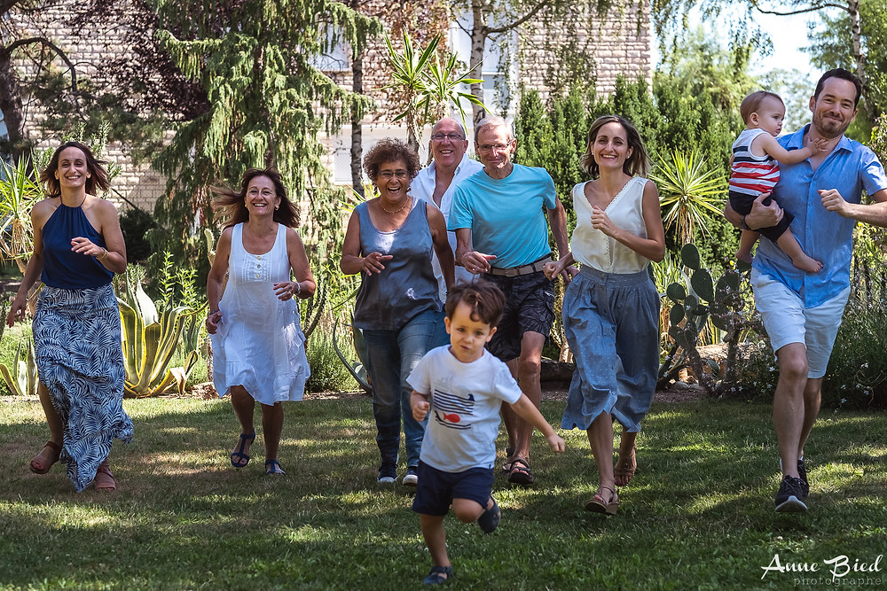 séance photo famille à domicile - anne bied - photographe famille paris - photographe famille yvelines - photographe famille bourgogne