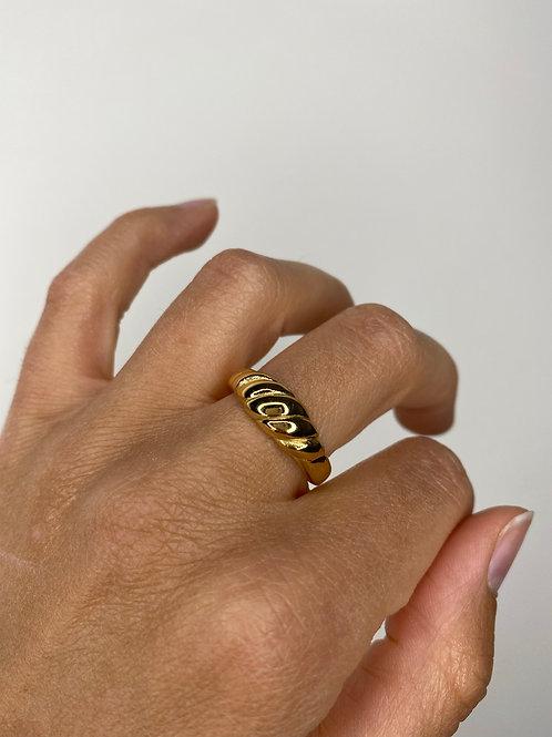 Croissant Ring Vergoldet 17mm