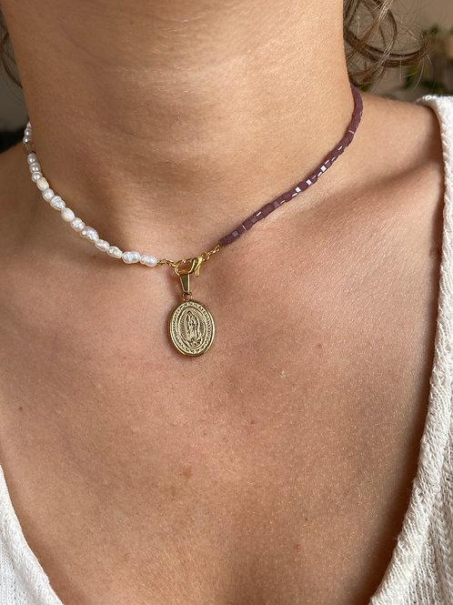 Handmade Perlenkette mit Maria Anhaenger