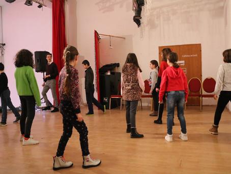 De ce sunt bune cursurile de actorie pentru copii?