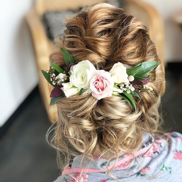 Just the sweetest bridal updo! So loose,