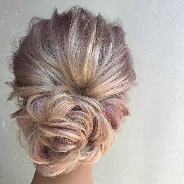 Loving this floral inspired updo! #flowe