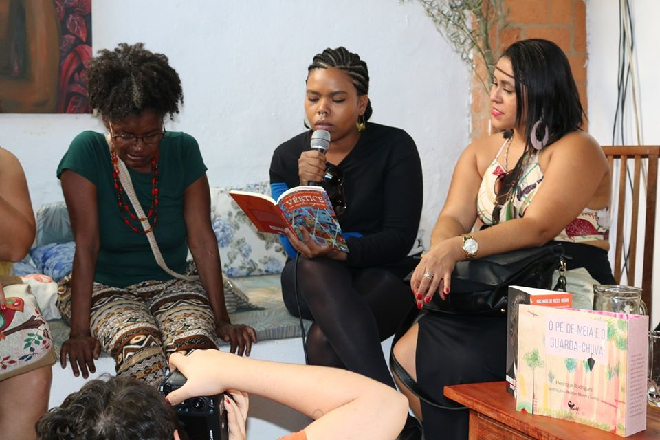 FLIP 2019 - Acompanhada das escritoras Miriam Alves e Ana Carolina Lacorte