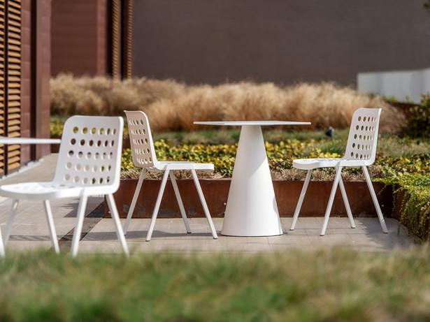 Stuhl Koi-Booki   Tisch Ikon   Pedrali