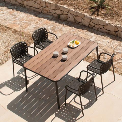 Tisch und Armlehnstuhl Yard   Emu