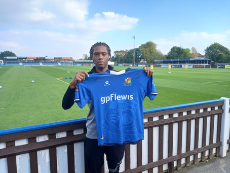 NEW SIGNING | Stones sign Mundle-Smith